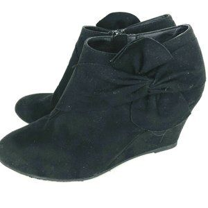 Chinese Laundry Black Suede 7 M Vivid Ankle Boot